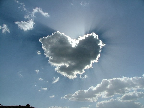 Valentine Cloud saint-valentine – e-Forwards.com - Funny Emails
