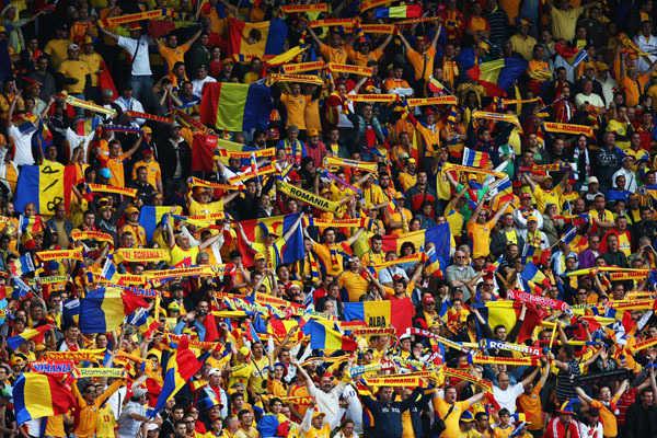Crazy World Cup Fans have the Fever   e-Forwards.com