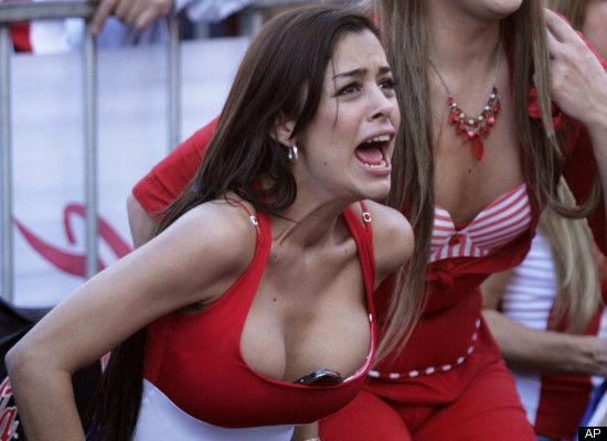 Larissa Riquelme -sexy fan-2